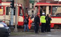 Usuwanie zniszczonego tramwaju