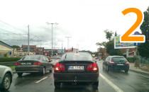 Samochody jeżdżą po buspasie w Gdańsku