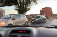 Kierowcy na Podmiejskiej jeżdżą pod prąd