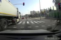Bandyta drogowy w ciężarówce + bonus na zielonej strzałce