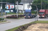 Tiry niszczą przejazd tramwajowy