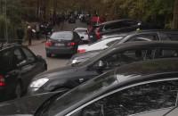 Mnóstow aut przy cmentarzu św. Mikołaja w Gdyni