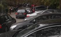 Mnóstow aut przy cmentarzu św. Mikołaja w...