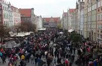 Czerwone maki na Monte Cassino na Paradzie Niepodległości w Gdańsku
