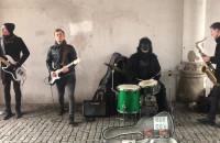 Nietypowi muzykanci w Zielonej Bramie w Gdańsku