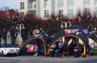 Motoryzacyjna impreza przy molo w Sopocie