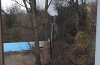 Dym z domu sąsiadów
