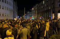 Tłumy protestujących pod gdyńskim sądem