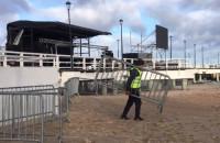Budują scenę na sylwestra na molo w Brzeźnie