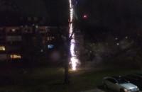 Głośne fajerwerki przy parkingu na Chełmie