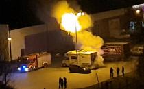 Pożar auta na parkingu Gildia na Zaspie...
