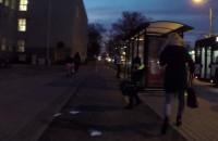 Z autobusu prosto pod koła