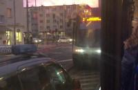 Zderzenie tramwaju z autem na pl. Komorowskiego we Wrzeszczu
