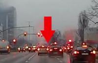Moment zderzenia czterech aut na Grunwaldzkiej