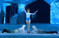 """""""Crystal"""" Cirque du Soleil - akrobatyczny show na lodzie"""