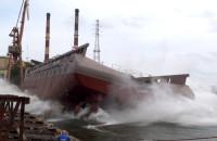 Boczne wodowanie statku LEWEK ANDES