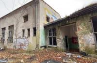 Ruina jednego z budynków w okolicach Torpedowni