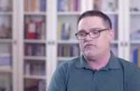 Krzysztof opowiada, jak się żyje z atopowym zapaleniem skóry