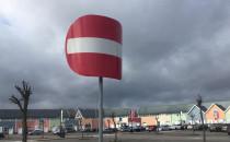 Na Szadółkach zatem Wiatr buja znakiem.