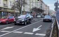 Zablokowany pas pod Hala Targową w Gdyni