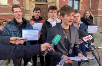 Młodzież przeciwko Zdrovve Love - wystąpienie Daniela Nawrockiego