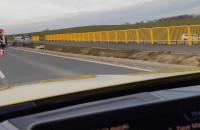 Dachowanie dwóch aut na trasie ...
