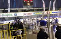 Bójka na meczu hokejowym