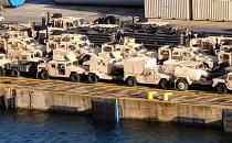 Pojazdy Amerykańskiej Armii czekają na...