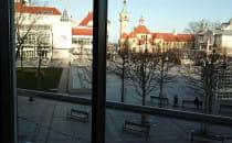 Opustoszałe Multikino i plac w Sopocie....