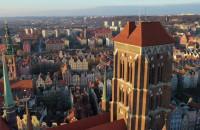 Widok na Trójmiasto z wysokości wieży bazyliki Mariackiej