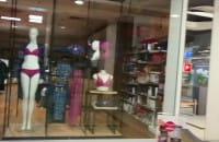 Totalna pustka w centrach handlowych