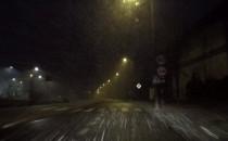 Intensywne opady śniegu. Uważajcie na drogach