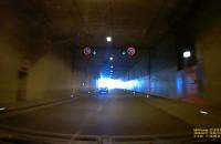 Świąteczne wyścigi w tunelu