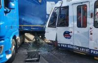 Tramwaj zderzył się z ciężarówką wypadek w Letnicy