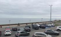 Parking przy bulwarze w Gdyni w większości...
