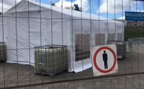 Namiot pod stadionem