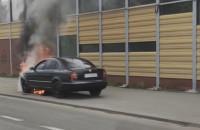 Pożar samochodu na al. Armii Krajowej