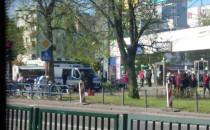 Policja na rynku na Przymorzu ochrania...
