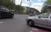 Prawy pas to lawa dla kierowców?