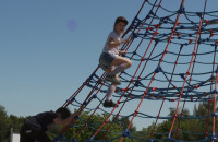 Dzieci znów mogą się bawić na placach zabaw