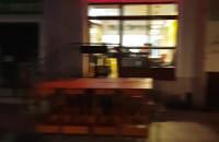 Wajdeloty, 22:30, pusto i cicho. Spacerują ludzie.