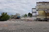 Wyburzanie budynku naprzeciwko sądu w Gdyni