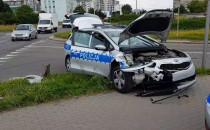 Rozbity radiowóz w wypadku na Zaspie