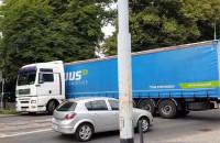 Kierowca ciężarówki zagapił się, ale w porę zawrócił
