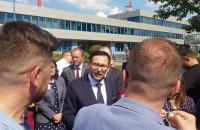 Konferencja pomorskich posłów i samorządowców pod siedzibą Lotosu.