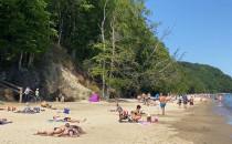 Słoneczna pogoda na plaży w Redłowie