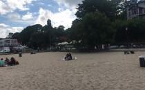 Mało ludzi na plaży w Orłowie