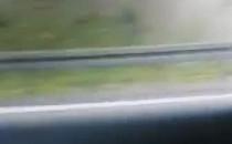 Pali się auto na węźle Straszyn