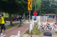 Rowerzyści ignorują znak stop