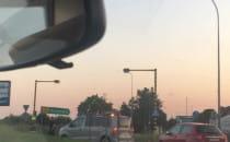 Wypadek DW221 w Kowalach, droga na Kolbudy...